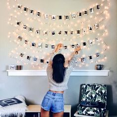 17 Budget-Friendly and Easy Photo Wall Ideas. quick easy photo wall ideas - DIY gallery wall ideas Find easy and inexpensive DIY photo wall ideas to decorate your room! These creative decor ideas will help you brighten up your space within a small budget. Cute Room Ideas, Cute Room Decor, Teen Room Decor, Bedroom Decor Ideas For Teen Girls, Room Lights Decor, Wall Decor For Dorm, Diy Wall Decor For Bedroom Easy, Bedroom Wall Decorations, Diy For Room