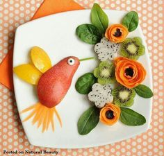 This is food art at its finest, turning fruit and veg into a beautiful work of food art!This is food art at its finest, turning fruit and veg into a beautiful work of food art! Easy Food Art, Cute Food Art, Food Art For Kids, Creative Food Art, Fun Food, Creative Design, Yummy Food, Food Design, Deco Fruit