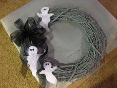 Cheap Halloween Decorations: 12 Easy Homemade Ideas  Read more: http://www.rd.com/slideshows/cheap-halloween-decorations/#ixzz3HMBoDEe4