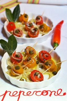 Rotolini di peperoni e alici