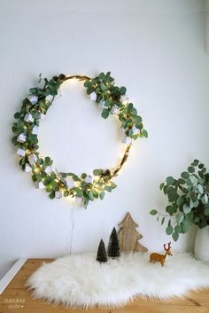 So beautiful green and sparkling DIY alternative advent calendar by OUI OUI OUI studio Christmas Mood, Noel Christmas, Christmas Wreaths, Christmas Crafts, Christmas Calendar, Christmas Lights, Advent Calendar, Christmas Ideas, Navidad Natural