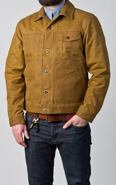 The Filson Short Lined Cruiser Jacket is made from 15oz oil finish Tin Cloth along with 6oz dry finish Cover Cloth lining. This classic work jacket is fully lined for durability & comfort and featuring a hip-length hem for mobility and...