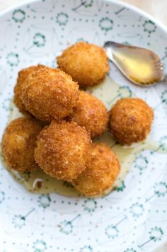 Fried Goat Cheese Balls with Drizzled Honey | Go Go Go Gourmet @gogogogourmet