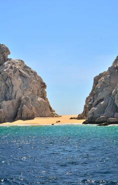 Top 5 things to do on a weekend in Cabo http://luggageandlipstick.com/weekend-cabo-top-5-things/