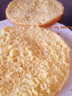 Il pan di spagna senza lievito è la preparazione base per la gran parte delle torte farcite; questa è una ricetta semplicissima che se preparata con amore porta grandissimi risultati