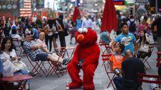 Regulan a personajes de Times Square
