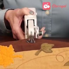 Tech Discover This Handheld Sewing Machine Is Perfect For Traveling Mend A Torn Pocket Or Shorten Trousers In Minutes Electric Scissors Sewing Scissors Diy Artwork Cool Inventions Diy Arts And Crafts Diy Crafts Cool Gadgets Cool Things To Buy Good Things Sewing Hacks, Sewing Crafts, Sewing Projects, Sewing Scissors, Diy Artwork, Cool Inventions, Clothing Hacks, Useful Life Hacks, Home Repair