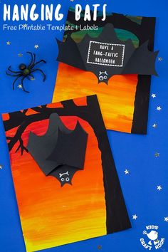 halloween crafts for kids This Hanging Bat Craft is so fun. Open the bat's wings to reveal a hidden spooky message! Such a cool Halloween craft for kids. (Free printable template and messages. Halloween Art Projects, Halloween Arts And Crafts, Fall Art Projects, Halloween Activities, Fall Crafts, Bat Activities For Kids, Holiday Crafts, Couples Halloween, Theme Halloween