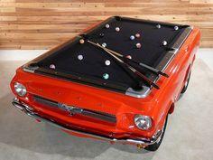 Bilhar num Mustang.