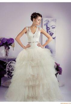 Robes de mariée Tanya Grig Brittany 2013