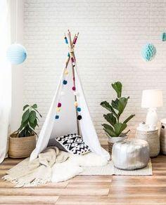 Mit unserem DIY Tipi Tutorial können Sie einen Haken auf der Wunschliste Ihres Kindes setzen. Ein eigenes Reich selbst zaubern. Wir zeigen Ihnen wie´s geht.