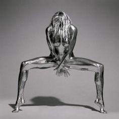 A travers sa série photo NuMondo, Léonardo Maceira a photographié tout au long de son road-trip des femmes nues dans la nature.