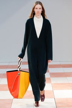 See the complete Céline Fall 2015 Ready-to-Wear collection.