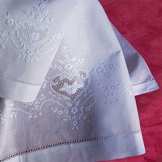 Coppia Asciugamani Cuore | Ricami e Pizzi