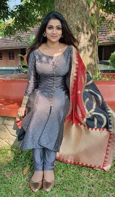 Beautiful Girl Indian, Most Beautiful Indian Actress, Punjabi Dress Design, Punjabi Girls, Pakistani Girl, Punjabi Suits, Indian Fashion Dresses, Punjabi Fashion, Indian Actress Hot Pics
