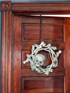 Creepy DIY Halloween Wreaths: http://www.hgtv.com/handmade/10-creep-tastic-halloween-wreaths/pictures/page-5.html?soc=pinterest