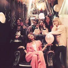 Hyoyeon, Yuri, Sooyoung, Tiffany, Bora and Taeyeon