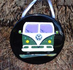 VW Van Bus on fused glass aventurine blue pot melt. By flutterbybutterfly.etsy.com Fused Glass Art, Stained Glass, Vw Vans, Garden Art, Art Ideas, Mosaic, Trucks, Sun, Holidays