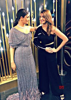 Anushka Sharma Is All Awe As She Unveils The First Ever Interactive Wax Statue In Madame Tussauds - HungryBoo Western Gown, Western Dresses, Actress Anushka, Bollywood Actress, Bollywood Stars, Bollywood Fashion, Virat Kohli And Anushka, Wax Statue, Celebrity Style Dresses