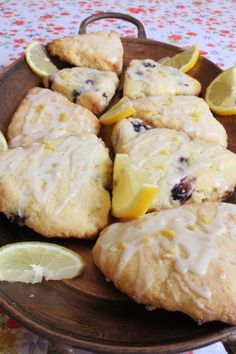 Scones are one of my favorite foods, and they are super simple to make. These are my Gluten Free Blueberry and Lemon Scones Blueberry Scones Recipe, Gluten Free Blueberry Muffins, Gluten Free Scones, Lemon Recipes Gluten Free, Wheat Free Recipes, Gluten Free Baking, Raw Recipes, Dinner Recipes, Egg Free Muffins