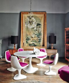 Love the fuchsia chairs