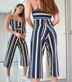 La imagen puede contener: una o varias personas, personas de pie y rayas Pinterest Summer Outfits, Trendy Plus Size Fashion, Jumpsuit Pattern, Dress Silhouette, Summer Fashion Outfits, Two Piece Outfit, Elegant Outfit, Cute Casual Outfits, Casual Looks