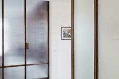 legno vetro corridoio