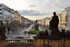 Cateva obiective pe care sa nu le ratezi in Praga - Ioana Vesa Louvre, Building, Places, Travel, Prague, Viajes, Buildings, Destinations, Traveling