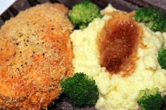 Panko crusted baked chicken with cauliflower puree & broccoli a la westchesterfoodie.com