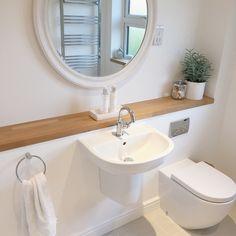 Simple And Small Attic Bathroom Design Ideas 48 Attic Bathroom, Ensuite Bathrooms, Family Bathroom, Small Bathroom, Zebra Bathroom, Target Bathroom, 1950s Bathroom, Bathroom Interior, Bad Inspiration