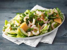 Katkarapusalaatti | Valio Food Goals, Cobb Salad, Cabbage, Salads, Tacos, Healthy Recipes, Healthy Food, Meat, Chicken