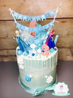 Elsa Frozen Disney Drip Cake