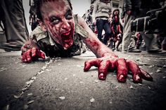 (OPEN ZOMBIE RP) *runs down the alley at night trying to escape a large horde behind me*