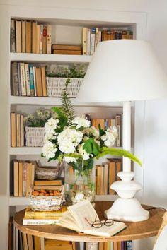 BOISERIE & C. Cottage  /  A book nook.  Great decor