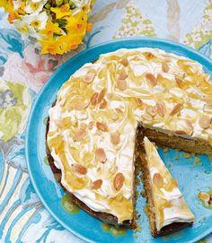 Lemon polenta cake with mascarpone and lemon curd - delicious. Orange Polenta Cake, Lemon Polenta Cake, Polenta Cakes, Polenta Recipes, Lemon Curd Recipe, Lemon Recipes, Baking Recipes, Cake Recipes, Grapefruit Recipes