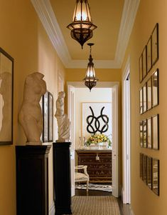 Narrow hallway paint colors painting ideas for long narrow hallway Hallway Paint Colors, Hallway Walls, Long Hallway, Hallway Art, Narrow Hallway Decorating, Foyer Decorating, Interior Decorating, Interior Design, Decorating Ideas