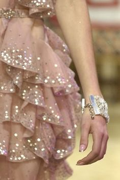 Passion For Fashion: Girly pictures Look Fashion, Fashion Details, Fashion Glamour, Dress Fashion, Runway Fashion, Fashion News, Fashion Trends, Foto Fantasy, Looks Style