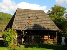 House with unmarried daughter @ Maramures Exterior Design, Interior And Exterior, Central Europe, Old Houses, Romania, Tours, Country Houses, House Design, Traditional
