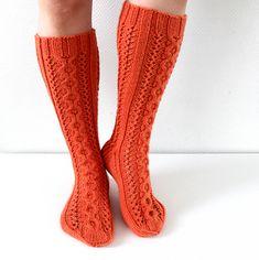 Ravelry: Flaming socks pattern by Niina Laitinen Knitting Patterns, Crochet Patterns, Knitting Socks, Knit Socks, One Color, Colour, Yarn Colors, Pyjamas, Knit Crochet