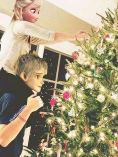 Modern Jack Frost and Elsa decorating a Christmas tree. Disney Princess Fashion, Disney Princess Pictures, Disney Pictures, Disney Couples, Disney Girls, Jelsa, Disney Fan Art, Disney Love, Elsa Moderna
