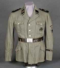 Ww2 Uniforms, German Uniforms, German Army, Historical Pictures, World War Two, Military Jacket, Ss, Headgear, Wwii