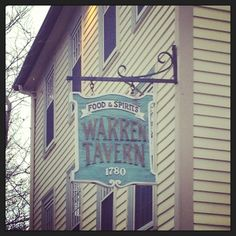 Warren Tavern in Charlestown is the oldest bar in Massachusetts. Thompson Square, East Coast Travel, Freedom Trail, Old Bar, Bunker Hill, 50 States, Cool Bars, Bar Signs, Massachusetts