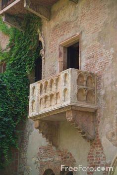 Juliet's balcony/Verona Italy