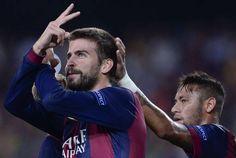 """Piqué Marca Gol da Vitória e Shakira Comemora na Internet: http://shakirabrasil.com/?p=23756  """"Pique seu papai!"""" postou a cantora!"""