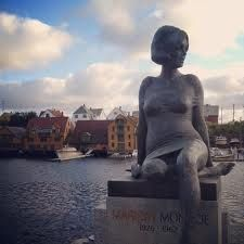 Marilyn Monroe statue in Haugesund Norway. I was just walking along the waterway when I found this.  Did not know it even existed!