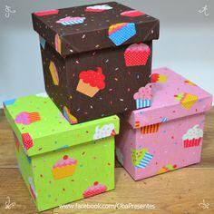 #cupcakes #caixa revestida #tecido cupcakes www.obapresentes.com.br Decoupage Tutorial, Decoupage Box, Diy Tutorial, Country Paintings, Country Crafts, Little Boxes, Diy Box, Pink Candy, Box Frames