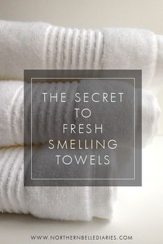 The Secret to Fresh-Smelling Towels - how using baking soda and vinegar will give you the cleanest smelling towels ever #laundry #diy #laundrytips
