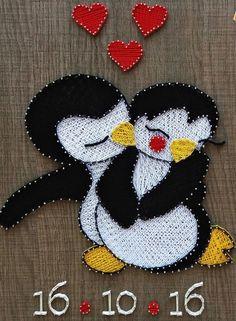 Penguins in Love String Art - DIY ✊ - Arte Contemporáneo String Art Templates, String Art Patterns, Nail String Art, String Crafts, Resin Crafts, Crafts To Do, Arts And Crafts, Thread Art, Pin Art