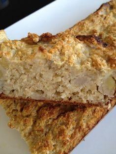 J'aime varier mes petits déjeuner. J'avais déjà essayé une recette de cake aux flocon d'avoine. J'ai modifié un peu la recette de base et j'ai mis de la banane à la place de la pomme ... Pour 12 tranches 1 pp / tranche (pour celles et ceux qui font weight...