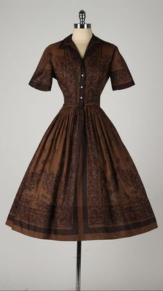 vintage 1950s dress . L'AIGLON border print . by millstreetvintage